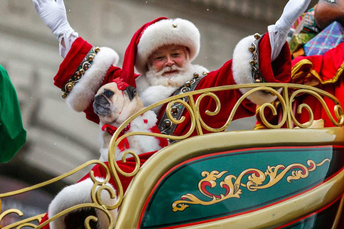 santa-izzie-parade